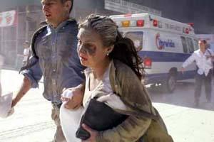 两名伤者在逃离惨剧现场